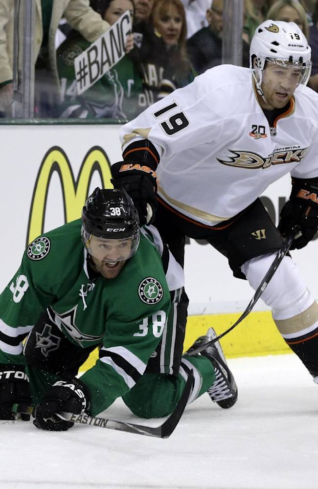 Ducks, Stars feel pain of Robidas' broken leg