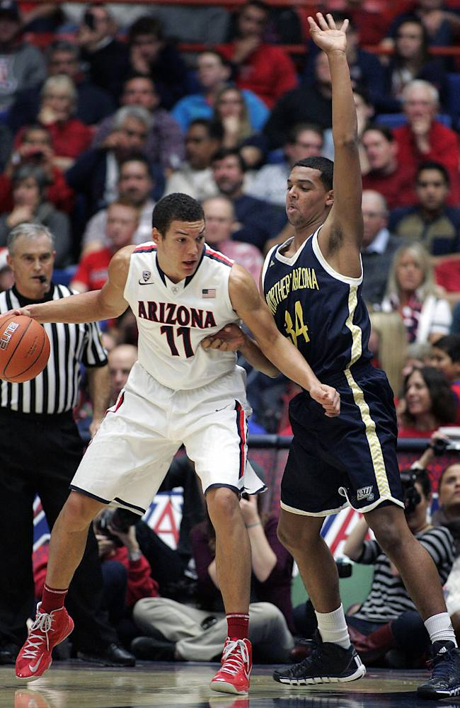 Top-ranked Wildcats roll over NAU 77-44