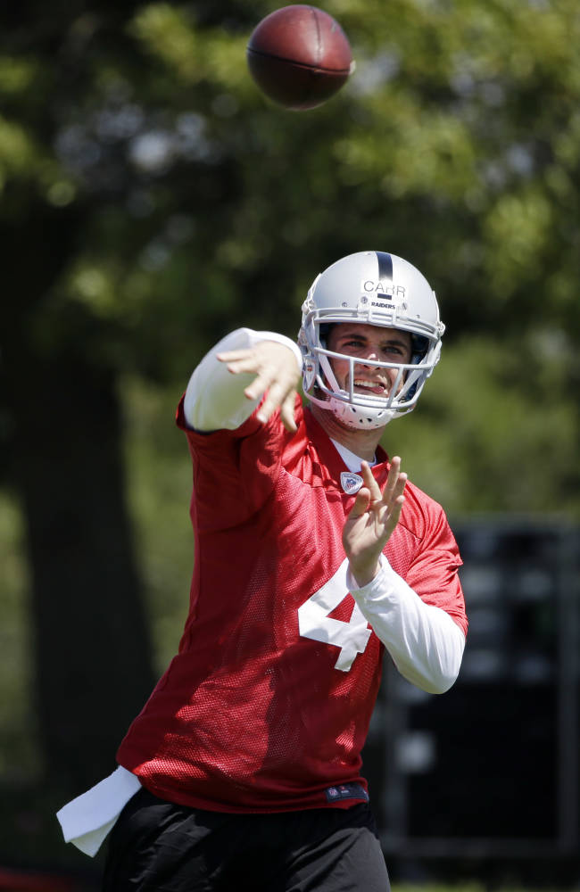 Derek Carr makes debut at Raiders rookie camp