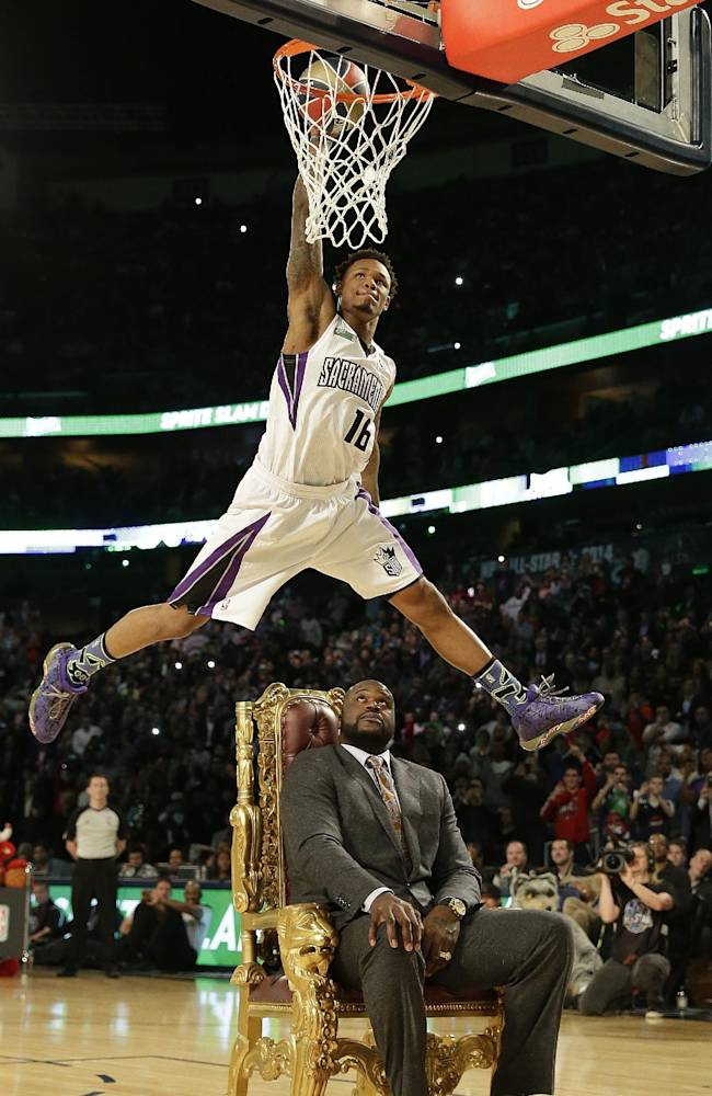 Wall leads East to All-Star dunk triumph