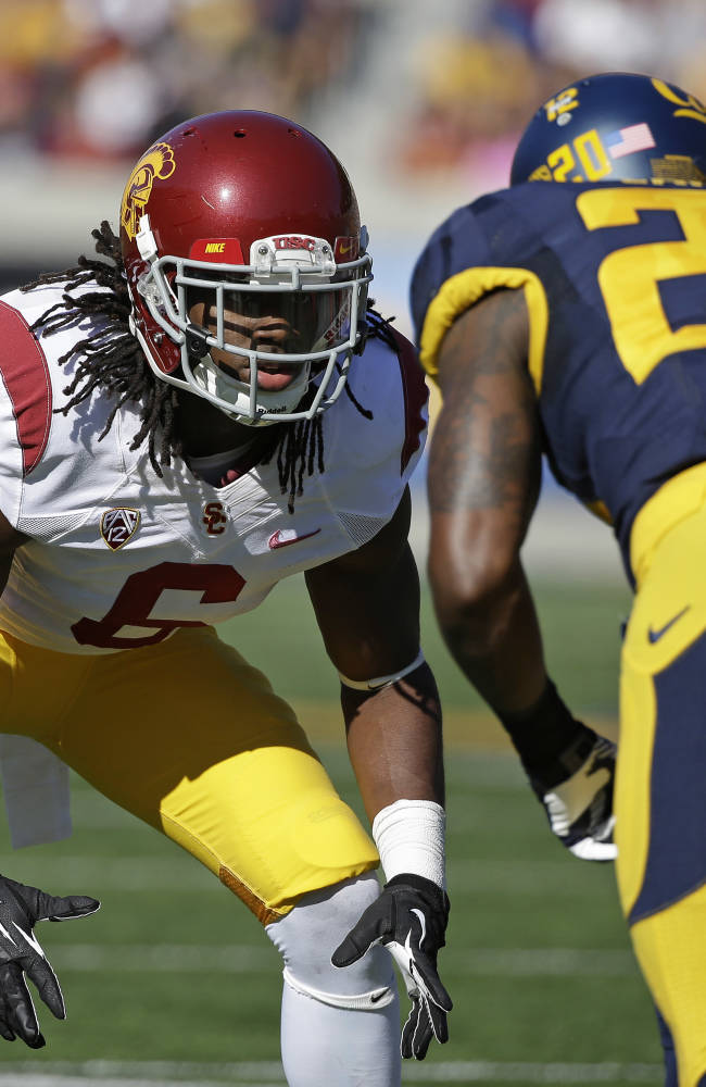 USC's Shaw jumps from second floor to save nephew