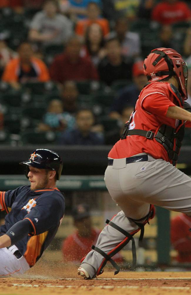 Oberholtzer leads Astros past Mexican League club