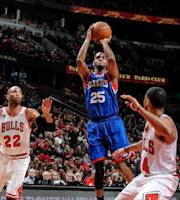 CHICAGO, IL - MARCH 22: Elliot Williams #25 of the Philadelphia 76ers shoots against the Chicago Bulls on March 22, 2013 at the United Center in Chicago, Illinois. (Photo by Randy Belice/NBAE via Getty Images)