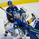 Forsberg nets 2 goals, Predators top Canucks 3-1 The Associated Press