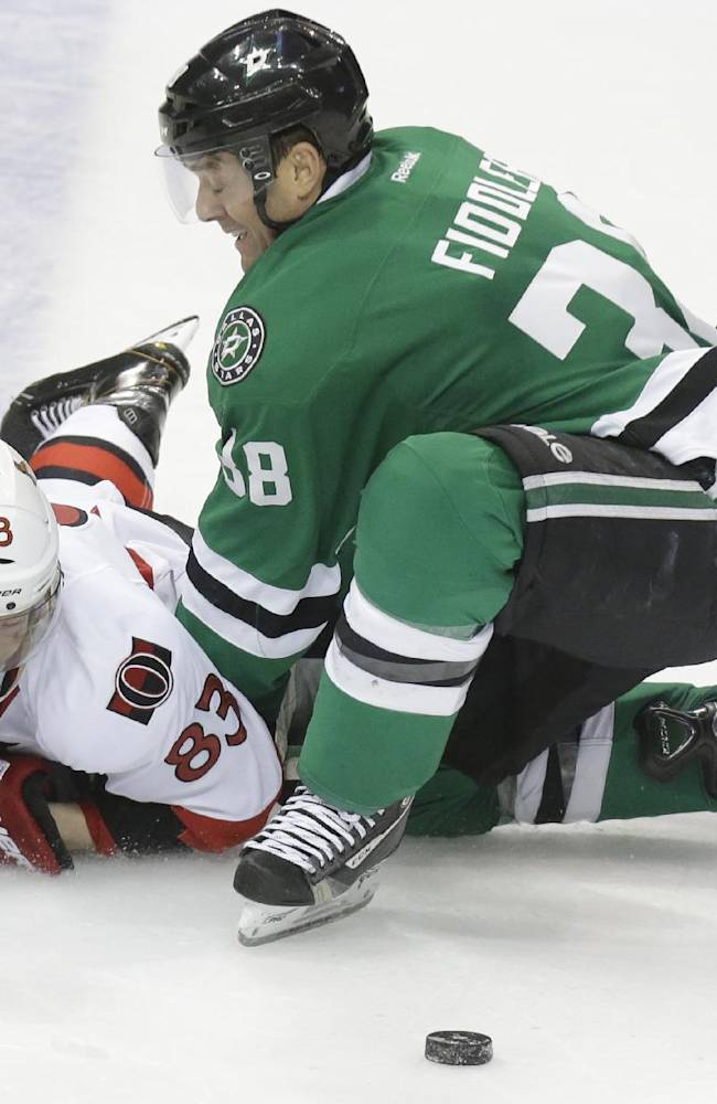 Daley, Benn score in 3rd to lift Stars over Sens