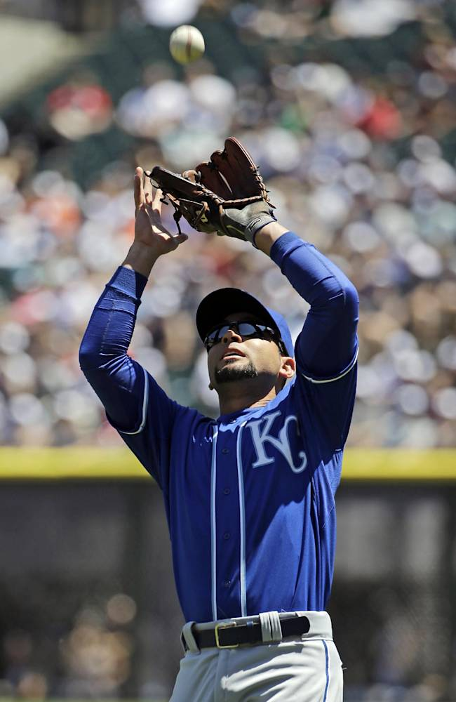 Duffy fans 9 as Royals beat White Sox 9-1
