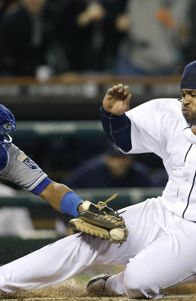 Fielder out at home in 9th, Royals beat Tigers 1-0