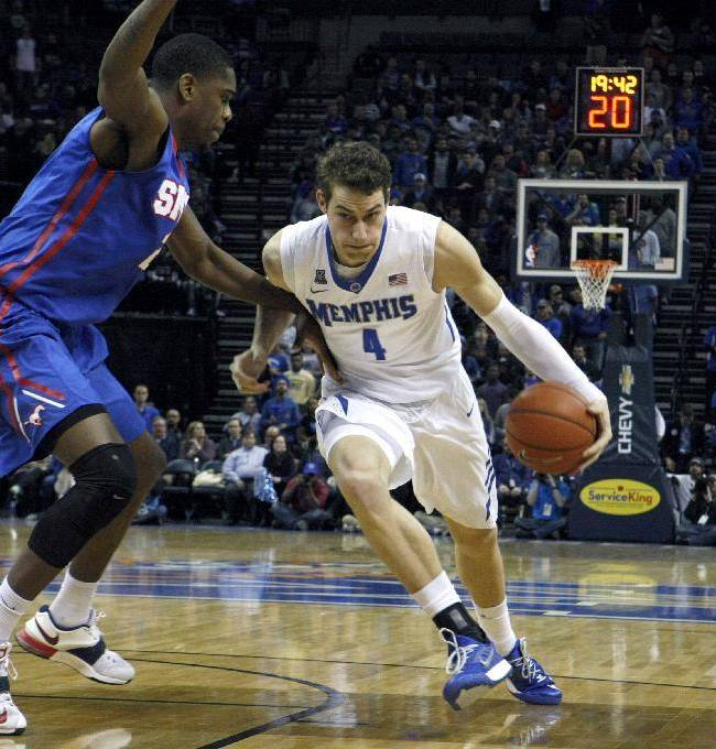 Memphis' Austin Nichols transfers to Virginia