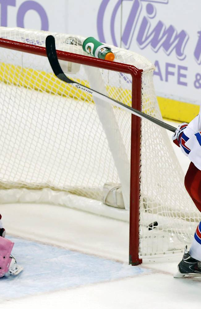 Healthy Lundqvist returns for Rangers home opener