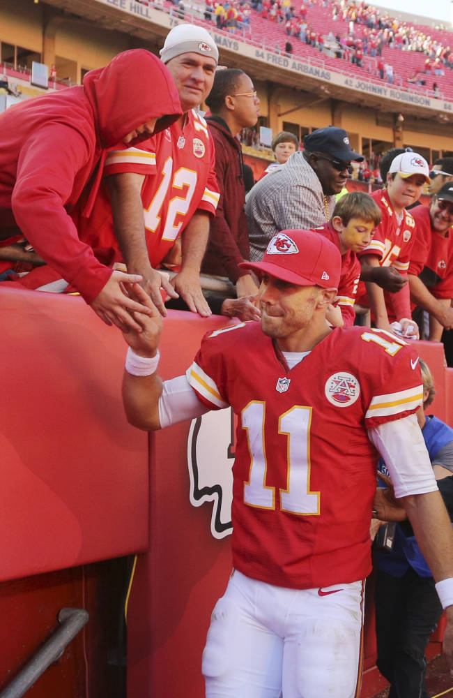 Chiefs, Seahawks share 1st place in AP poll