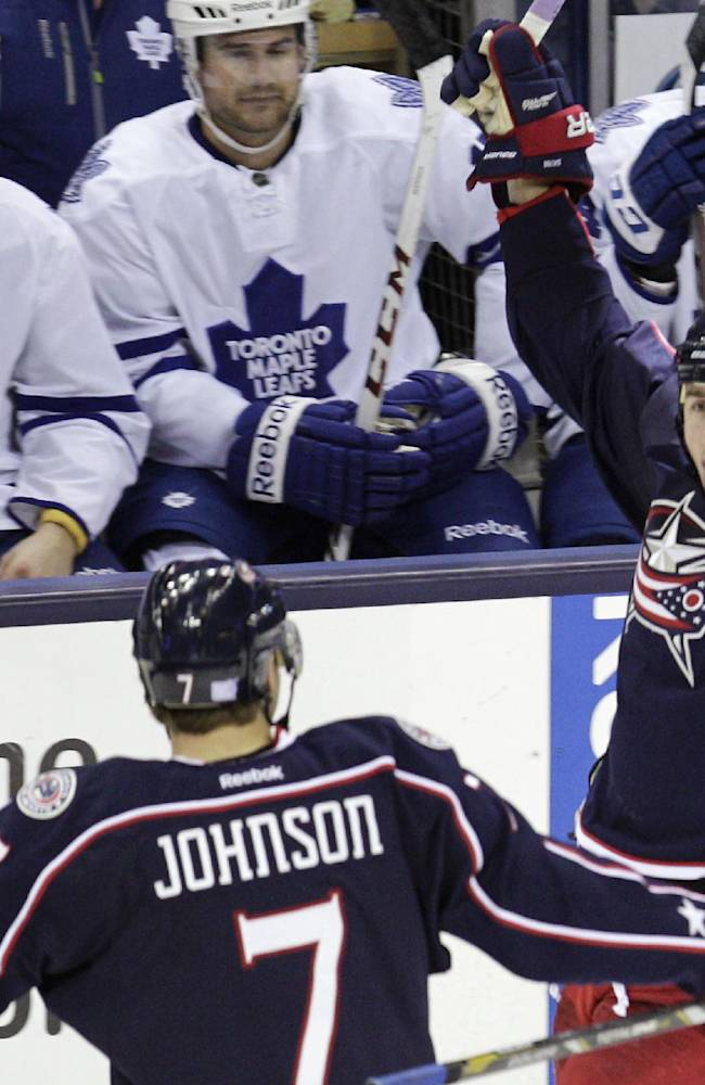 Jackets score 4 in 3rd to beat Leafs, 5-2