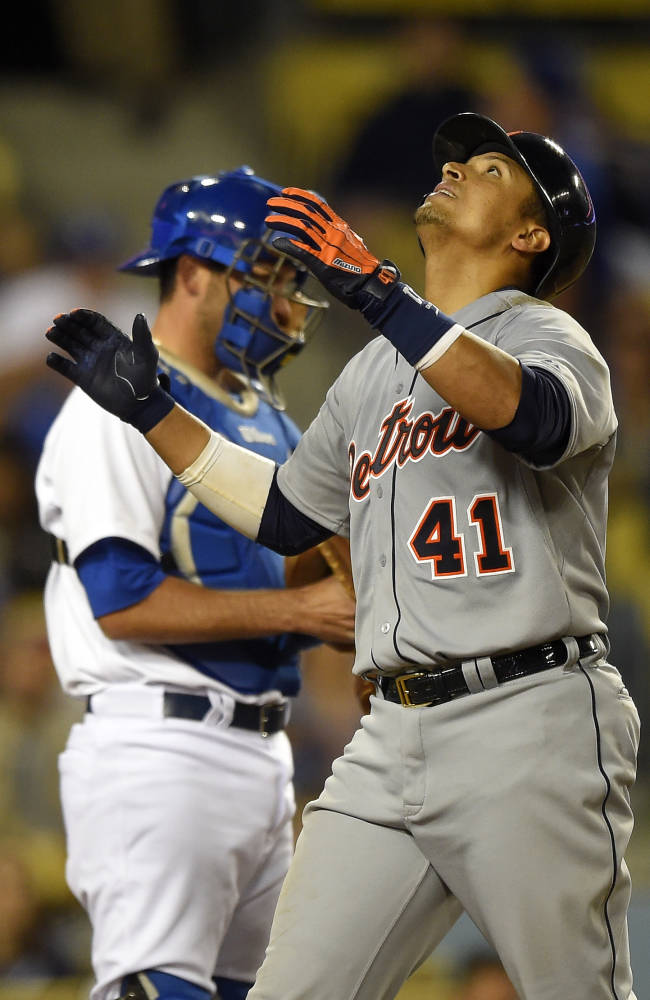 Martinez's HR in 10th leads Tigers over Dodgers
