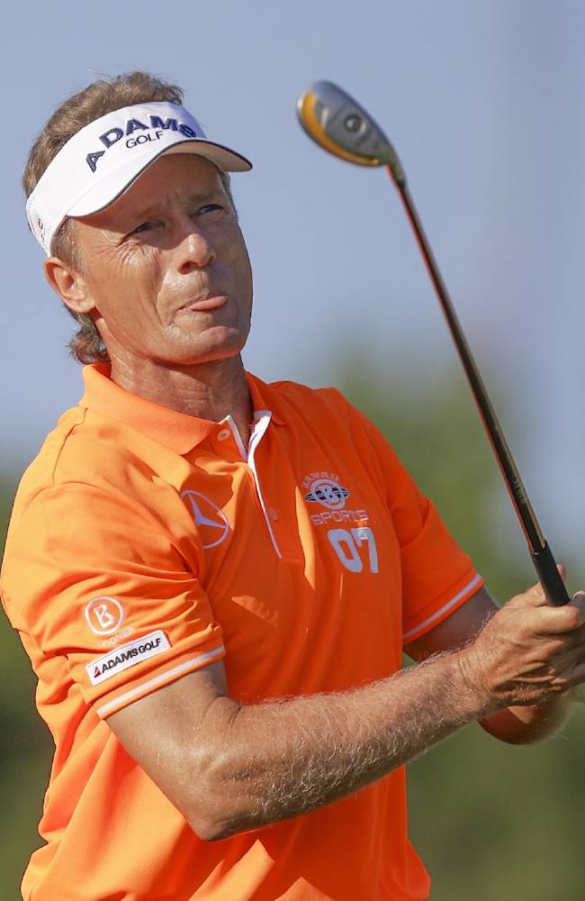 Langer shoots 63 to take Champions Tour lead