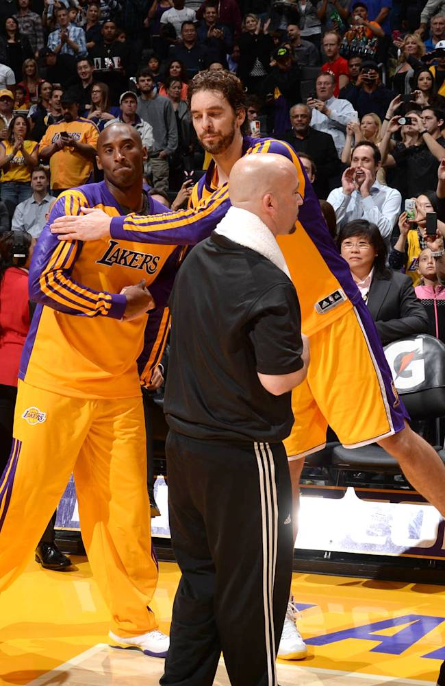 Kobe Bryant returns to practice with LA Lakers