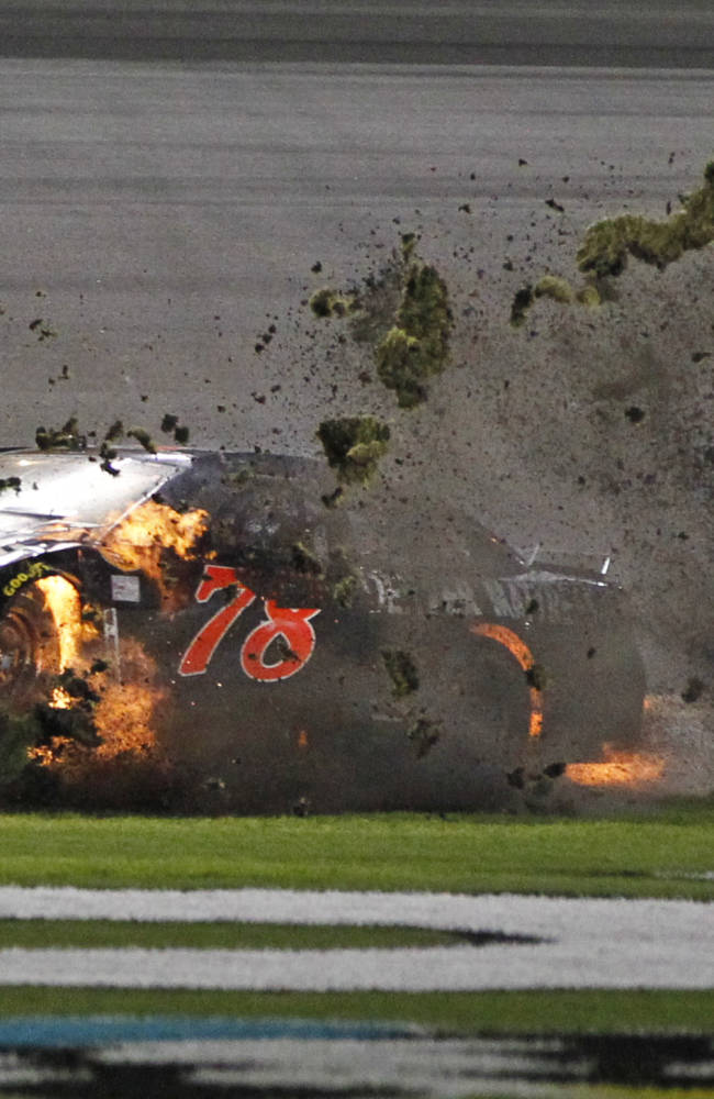 Truex blows engine, winds up last in Daytona 500