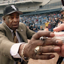 FILE - In a April 6, 2001 file photo, Chicago White Sox legend Orestes