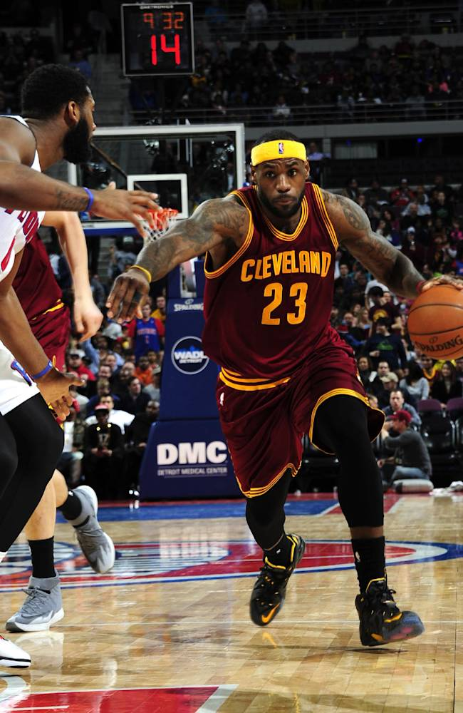 LeBron sitting out with sprained right wrist