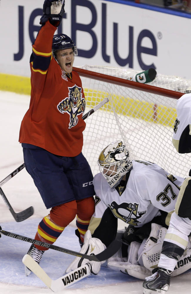 Boyes scores 2 in Panthers' 6-3 win over Penguins