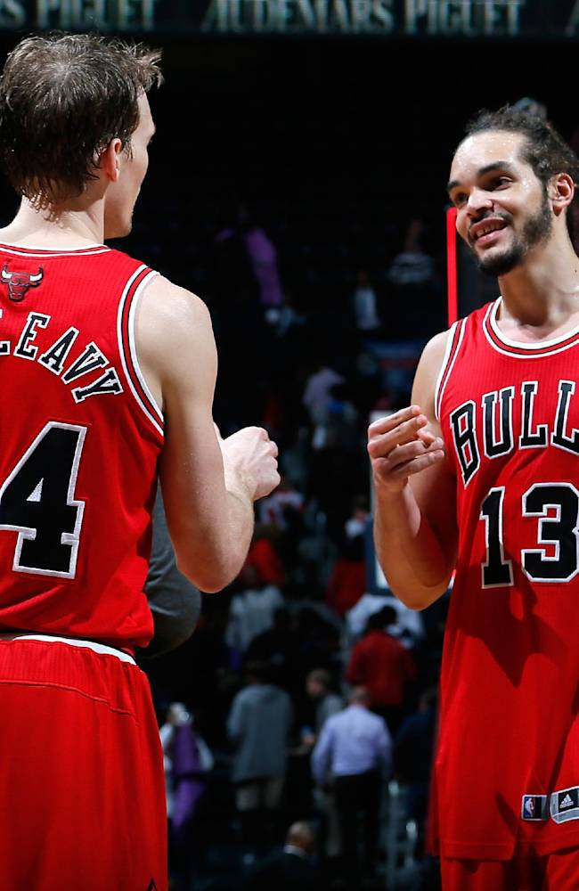 Dunleavy has 22, Bulls hold off Hawks, 107-103