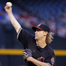 Arizona Diamondbacks pitcher Bronson Arroyo throws against the New York Mets during the first inning of the MLB National League baseball game on Tuesday, April 15, 2014, in Phoenix The Associated Press