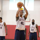 LAS VEGAS, NV - JULY 28: Derrick Rose #41 of the USA Basketball Men's National Team shoots during practice at the Mendenhall Center at the University of Nevada, Las Vegas on July 28, 2014 in Las Vegas, Nevada. (Photo by Andrew D. Bernstein/NBAE via Getty Images)