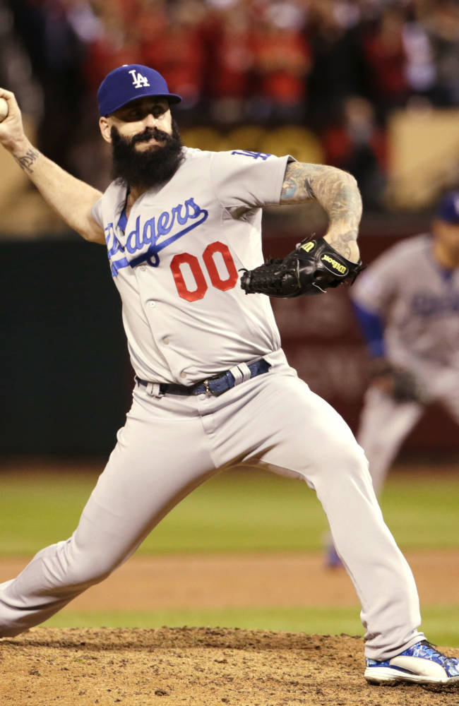 Dodgers release Brian Wilson, eat nearly $10 mill