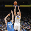 Curry rallies Warriors past Mavericks, 95-93 The Associated Press
