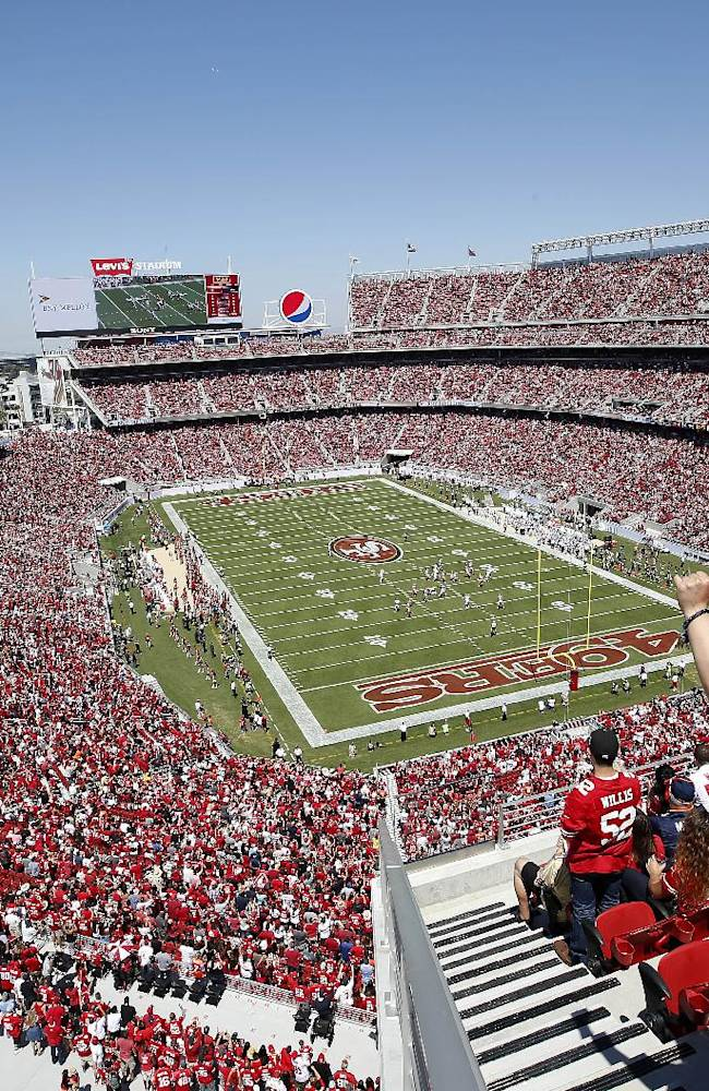 Loose sod at new Levi's Stadium removed