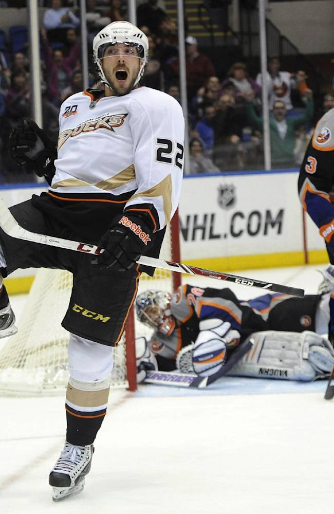 Getzlaf, Ducks win 8th straight, beat Islanders