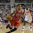 Chicago Bulls guard D.J. Augustin drives during the second half of an NBA basketball game against the Detroit Pistons in Auburn Hills, Mich., Wednesday, March 5, 2014. Augustin scored 26 points off the bench as the Bulls beat the Pistons 105-94 The Associ