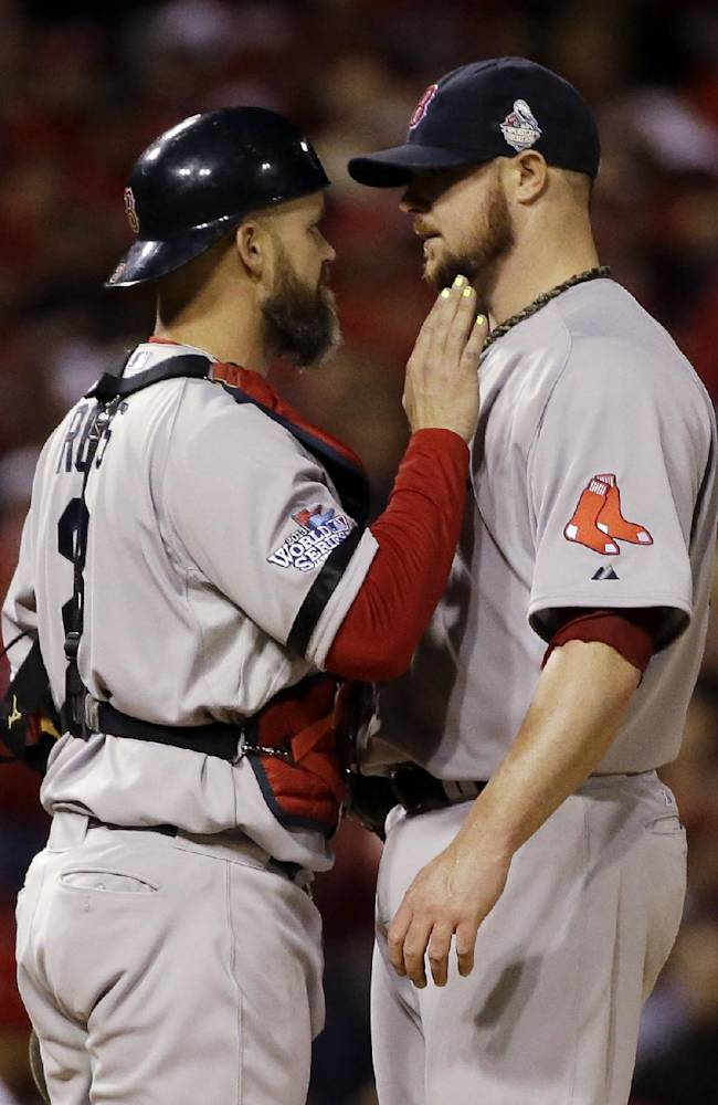 Ross overcomes concussion to lift Red Sox