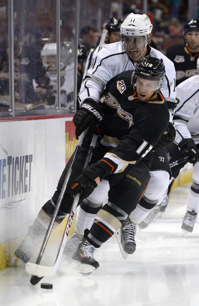 Carter, Frattin lead LA Kings' 6-0 rout of Anaheim