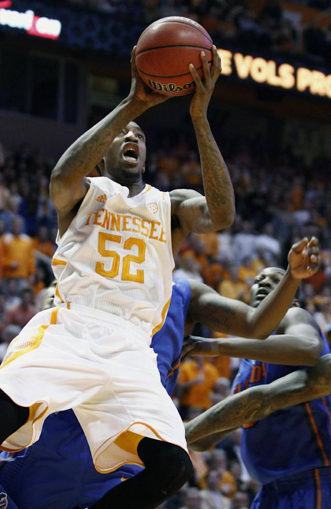 Tennessee guard Jordan McRae (52) shoots in the first half of an NCAA college basketball game against Florida, Tuesday, Feb. 11, 2014, in Knoxville, Tenn