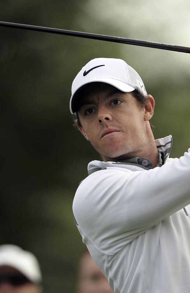 Rory McIlroy shoots 63 to take lead in Dubai