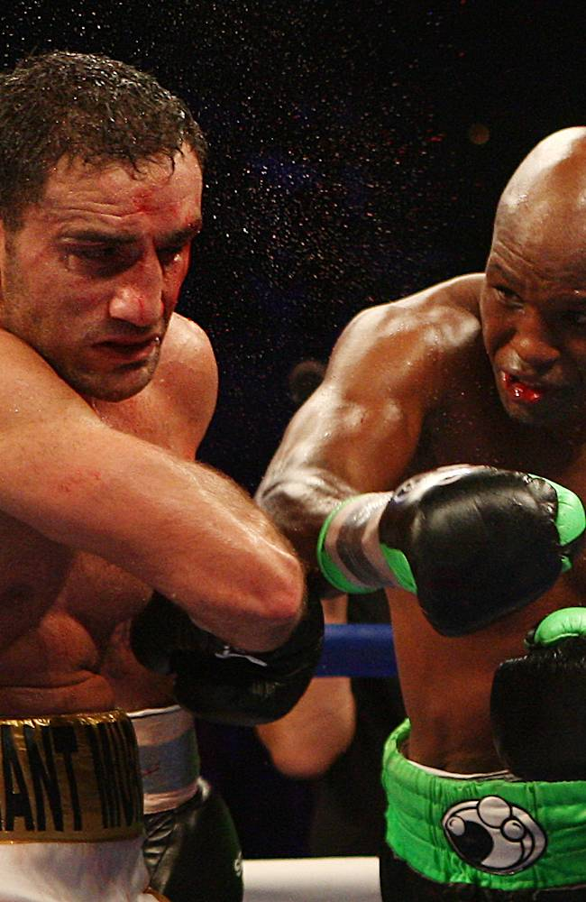 Hopkins retains light heavyweight belt