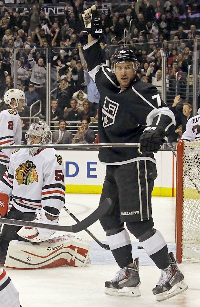 Kane's 3 points lead Blackhawks past LA Kings, 5-3