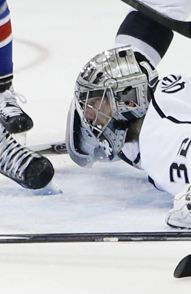 Quick pushes Kings to brink of Stanley Cup