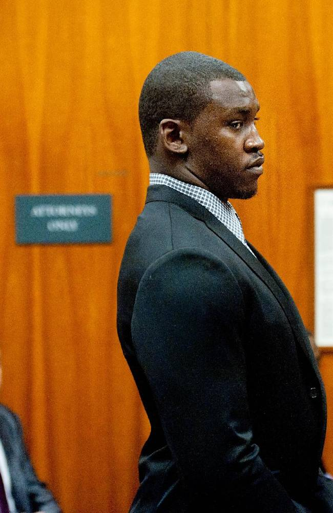 San Francisco 49ers linebacker Aldon Smith appears at his arraignment in Santa Clara County Superior Court on Tuesday, Nov, 12, 2013, in San Jose, Calif. Smith faces three felony counts of illegal possession of an automatic weapon stemming from a party at his home in June 2012