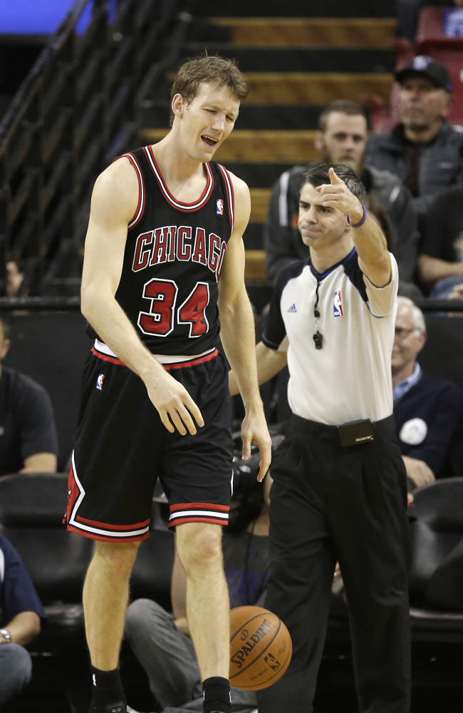 Chicago Bulls forward Mike Dunleavy reacts after being called for a foul by Official Eli Roe during the fourth quarter of an NBA basketball game against the Sacramento Kings in Sacramento, Calif., Monday, Feb. 3, 2014. The Kings won 99-70
