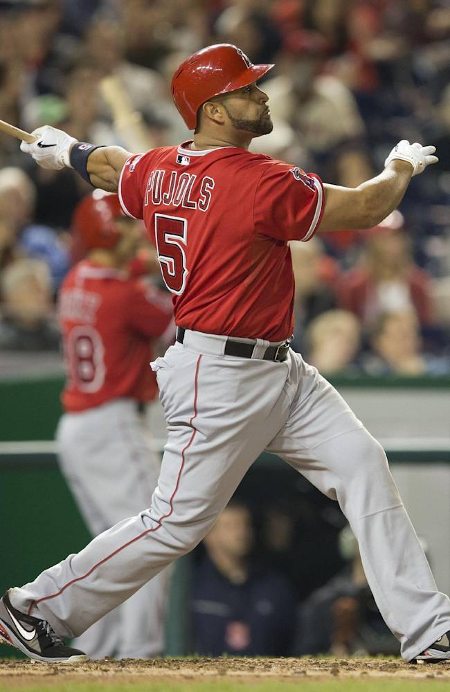 Pujols 1st to hit HRs No. 499, 500 in same game