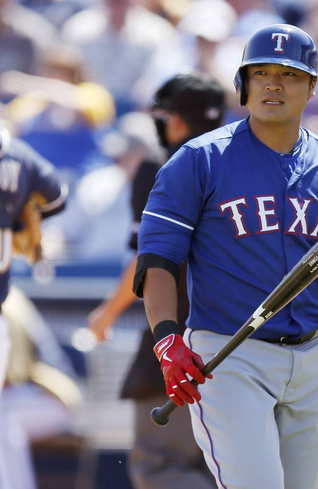 Gomez, Reynolds homer; Brewers beat Rangers 9-3
