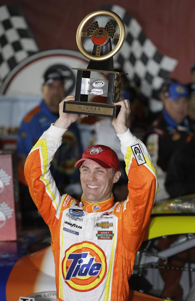 Kevin Harvick wins Nationwide race at Richmond