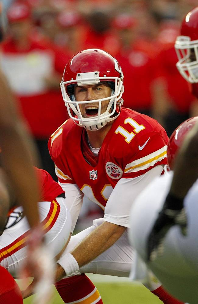 Armed with new deal, Chiefs' Smith looks forward