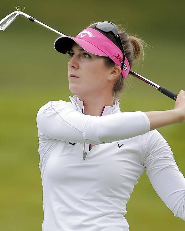 Sandra Gal holds steady in wind at Titleholders