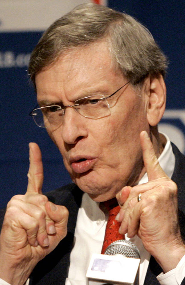 Bud Selig says he will retire in January 2015