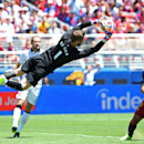 Manchester United's David De Gea (1) makes a save against FC Barcelona's during an International Champions Cup soccer match at Levi's Stadium, Saturday, June 25, 2015, in Santa Clara, Calif. (Tomas Ovalle/AP Images for Relevent Sports)