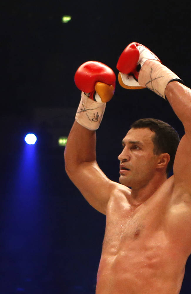 Klitschko KOs Leapai in 5th