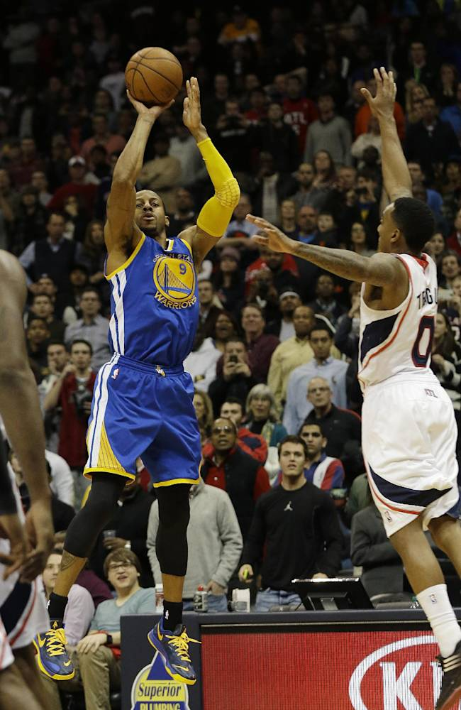 Iguodala beats Hawks with 3 at the buzzer