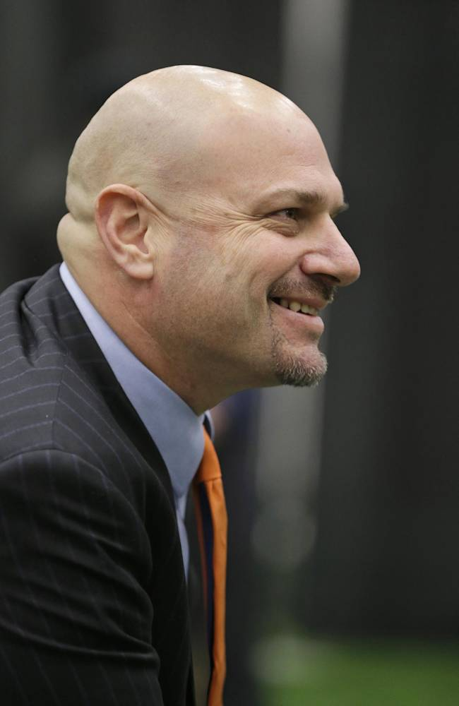 Browns' Pettine names O'Neil defensive coordinator