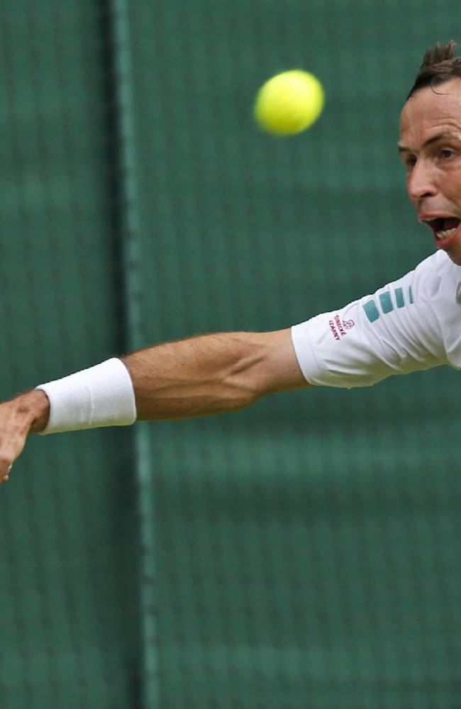 Djokovic, Stepanek entertain at Wimbledon